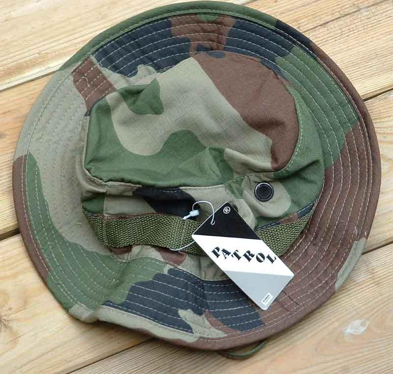 Vide placards (fringues et gears) Chapeau